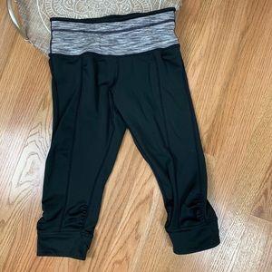 Prana Alyson Knicker Capri Leggings Black 58